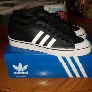 🆕️ Adidas Nizza mens shoes